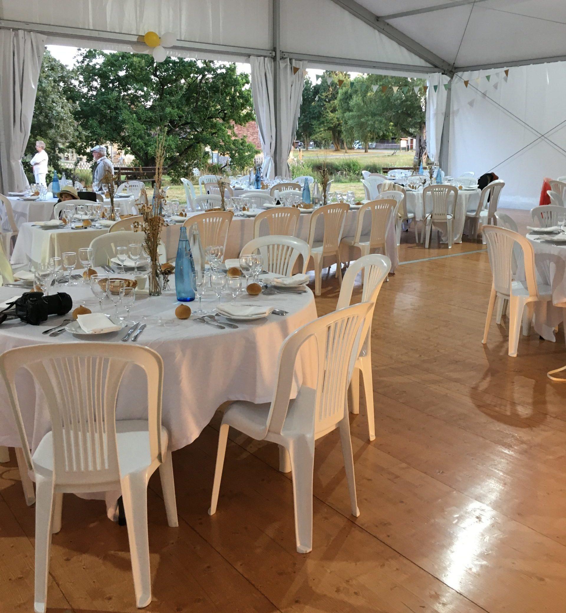 grand barnum pour mariage, anniversaires au gîte Les Mésangères